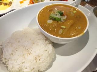 二子玉川でランチ。シミランで前菜・デザート食べ放題な本格タイ料理を楽しむ。