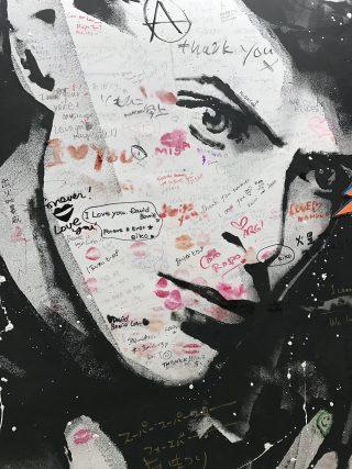 ボウイ展 David Bowie is 物販状況などアップデート。山本寛斎 iPhone ケースを見に行った!