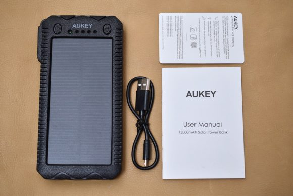 Aukey PB−P24 内容物