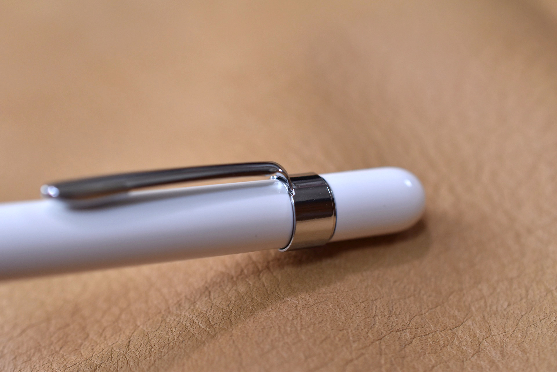 Apple Pencil Clip 金属部分に