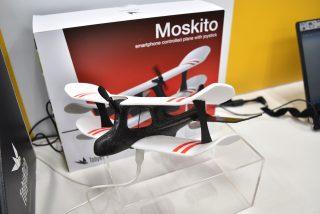 ドローンならぬ小型飛行機 TobyRich Moskito!これはコントロールする事を楽しみたい!