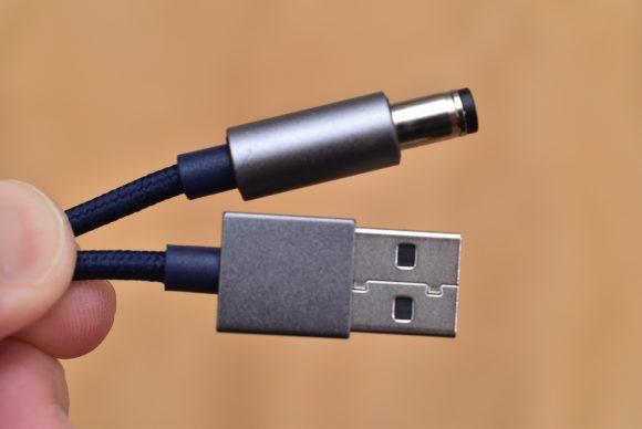 LINEスピーカーWAVE専用充電ケーブルの端子