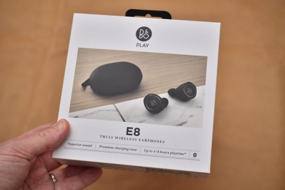 Beoplay E8 ボックス