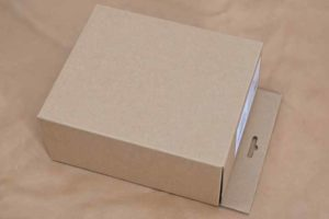 ソニーMDR-M1STの箱