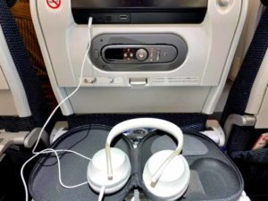 飛行機内でのBose Noise Cancelling Headphones 700使用状況