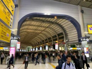 品川駅 港南口に向かう通路