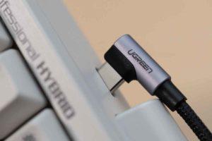 HHKBにUGREEN USB Type C L字 ケーブル 逆では挿入できない