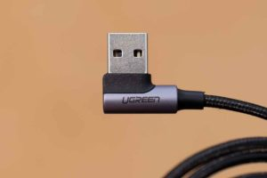 UGREEN USB Type C L字 ケーブル L字になっている