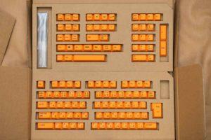 REALFORCE R2シリーズ 交換用カラーキートップセットの内容物