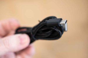 SIXPAD Hand Pulse の付属ケーブル