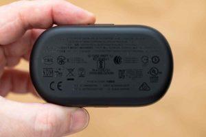 Bose QuietComfort Earbuds 充電ケース裏面