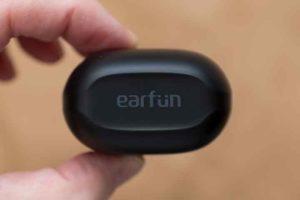 Earfun Air 充電ケース上側