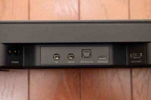 Bose smart Soundbar 300 の端子部分外観