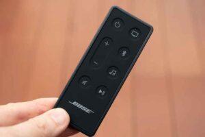 Bose smart Soundbar 300 の付属リモコン