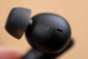 EarFun Air Pro イヤホンには装着検知のセンサーがある