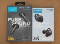 「Soundcore Liberty Air 2 Pro」と「Soundcore Life A2 NC」のパッケージ