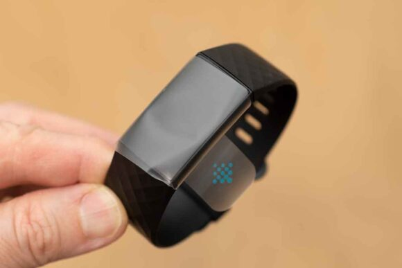 Fitbit Charge4 外観