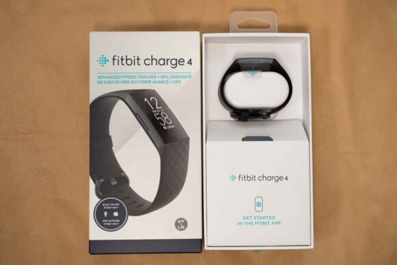 Fitbit Charge4 Suica対応版 開封