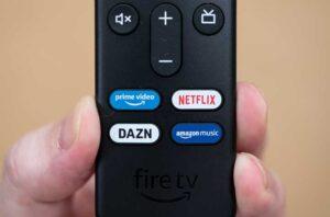 Fire TV Stick 4K MAX に付属の第3世代リモコンのショートカットボタン