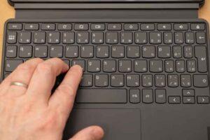 Lenovo IdeaPad Duet Chromebook のキーボード