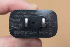 Lenovo IdeaPad Duet Chromebook に付属のチャージャー