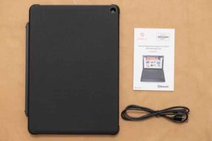 「Fire HD 10/10 Plus(2021)」用Fintie製キーボード付きカバー
