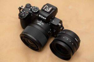 「NIKKOR Z MC 50mm f/2.8」を装着したZ50