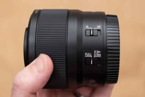 「NIKKOR Z MC 50mm f/2.8」側面