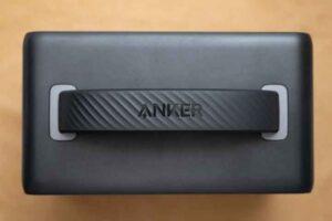 Anker PowerHouse II 400 の上面