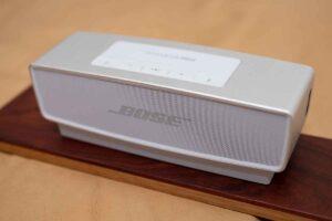 Bose SoundLink Mini II スペシャルエディション にクレードルを接続