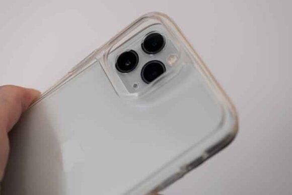 ESR iPhone 11 Pro ケースのカメラ部